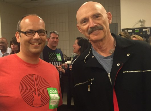 alex mit Tony Levin am 27. Juni 2016 im Madison Square Garden, NY.