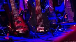 Es spielten weniger Bassisten als man hier vermuten würde!