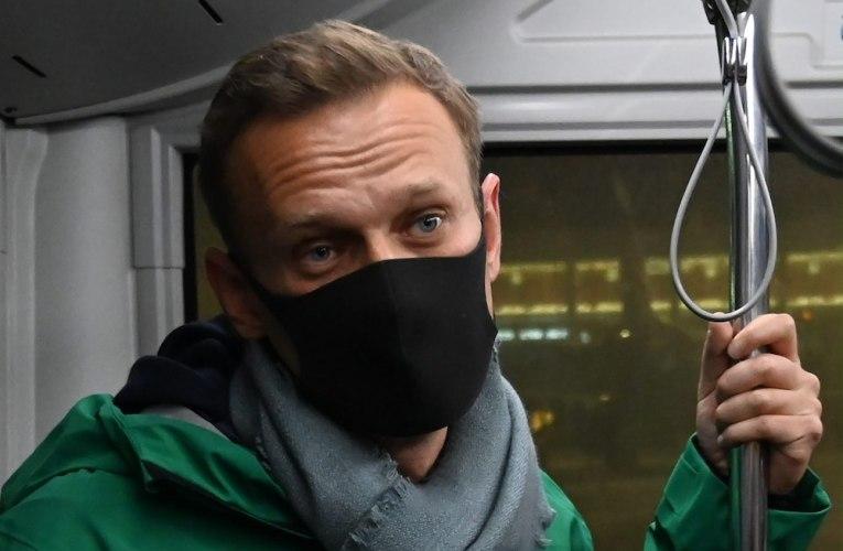 Venäjän syyttäjäviranomaiset tukevat vaatimusta Navalnyin panemisesta vankilaan
