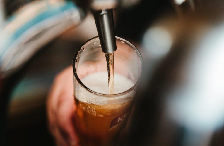 THL: Koronaepidemia vähensi alkoholinkulutusta – matkustajatuonti puolittui