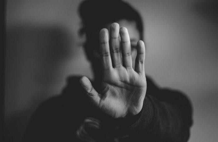 Tutkimus: Koronavuosi vähensi fyysistä väkivaltaa