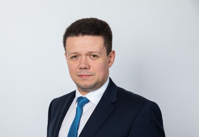 Suurlähettiläs Rychlik: Puolan ajaminen nurkkaan tuhoaa EU:n