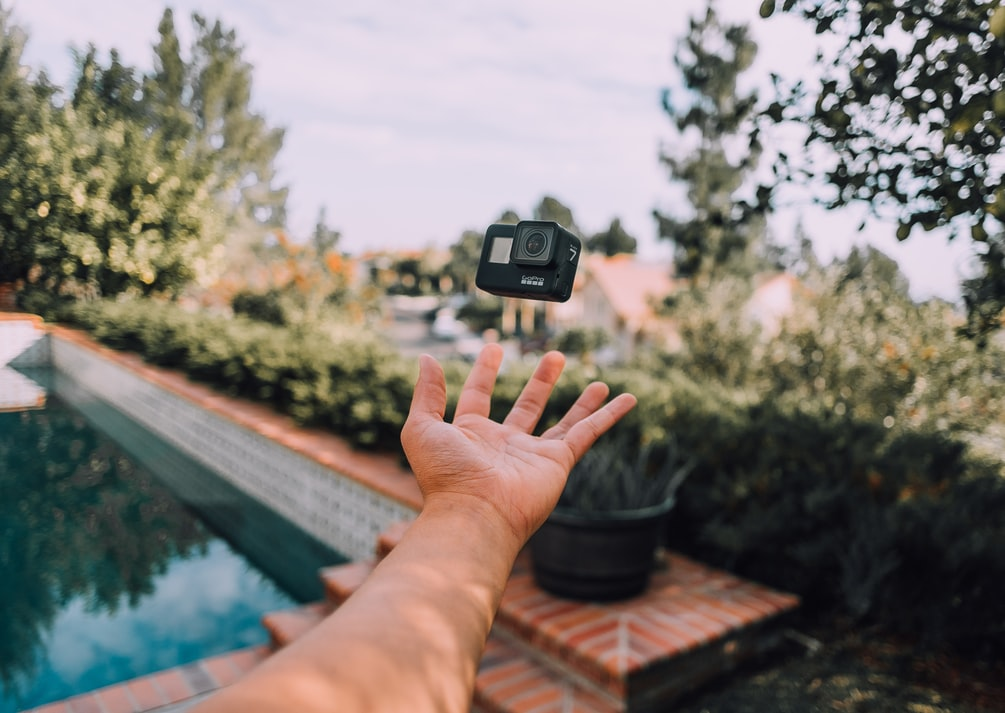 7 Tech Gadgets Every Digital Nomad Needs to Have
