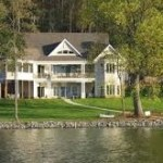 Midrange lake home