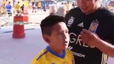 Photo of VIDEO: Joven regala boletos de fut a niño vendedor y conmueve las redes