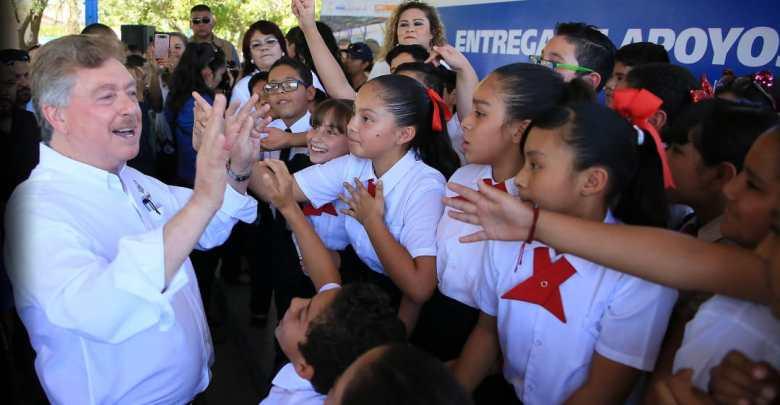 Photo of Paga Gobierno del Estado más de 24 mdp a maestros interinos