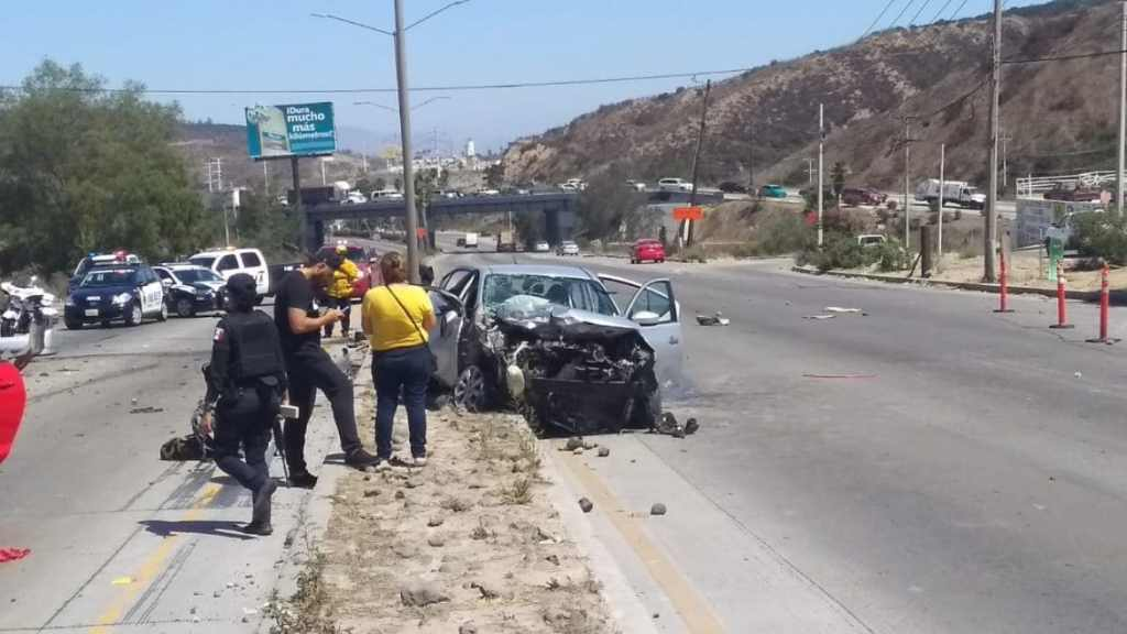 accidente en Carretera a Rosarito