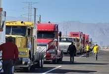 Photo of Vienen transportistas, bloquean y se van