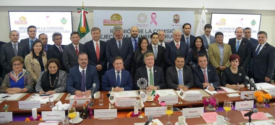 Kiko Vega se reune con comisiones de infraestructura y fomento vitivinícola de Conago