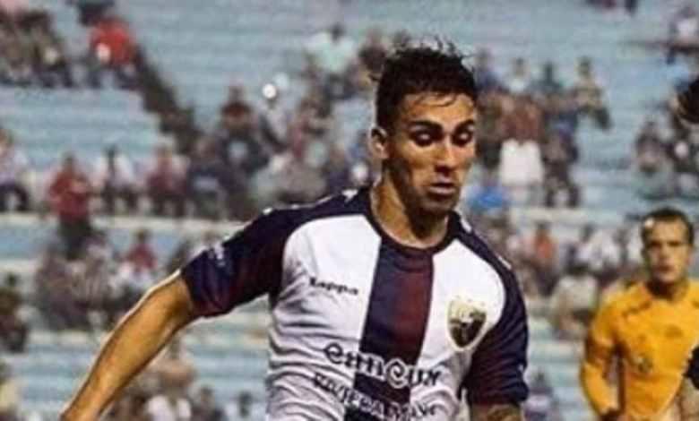 Futbolista cae de sexto piso y muere