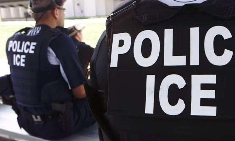 Deportación por facebook