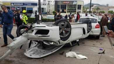 Photo of Hombre se desmaya y choca en su Porsche contra 4 vehículos