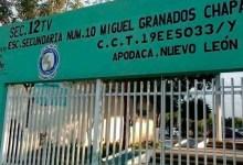 Photo of Directora acosa a alumno por estar bajo custodia tío gay