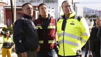 Presidente Municipal recorre zona afectada por las lluvias en calle Segunda