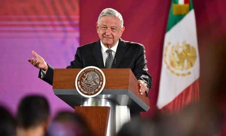 Photo of López Obrador pide no linchar a embajador que se robó un libro