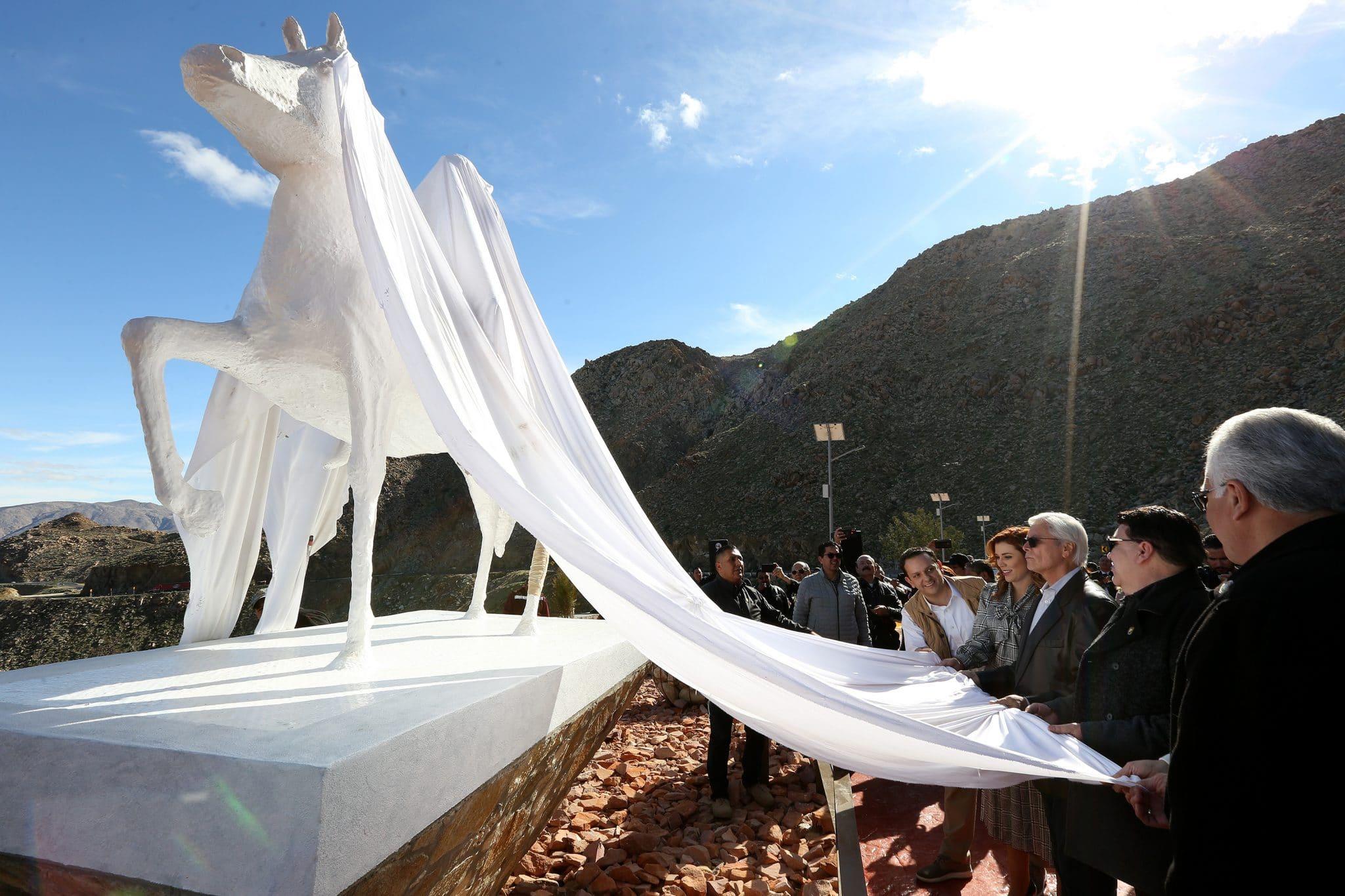 Develan monumento Caballo Blanco en La Rumorosa