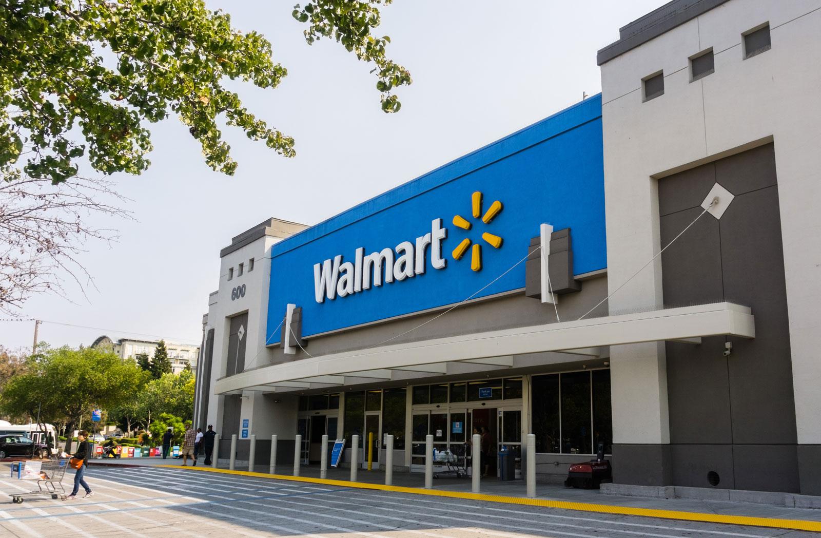 Se 'pela' de Wal-mart con la ropa puesta