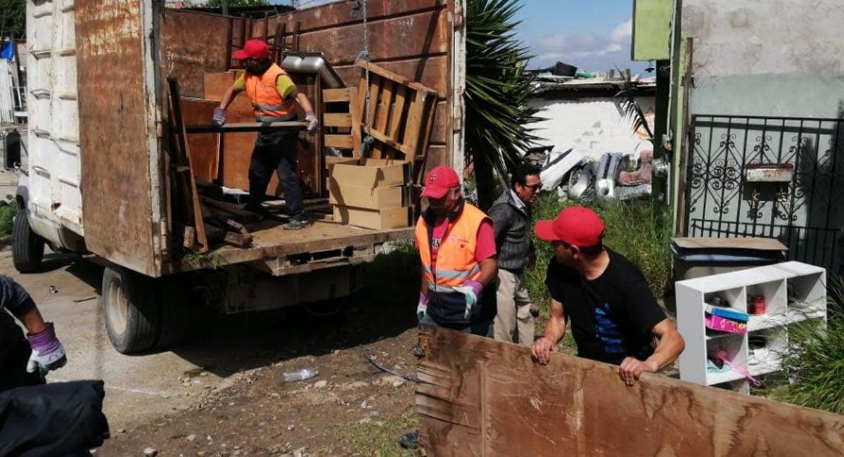 Ayuntamiento apoya a seis familias de Cumbres del Rubí por riesgo de casas