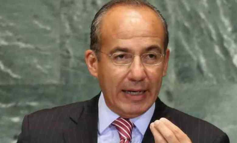 'Qué pena', dice Felipe Calderón sobre estrategia a AMLO ante covid-19