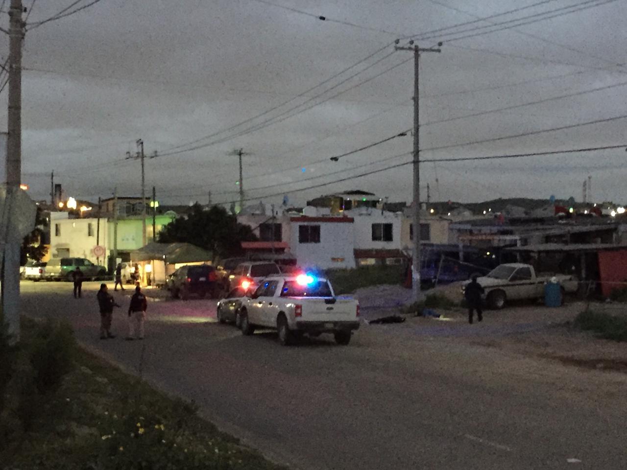 De múltiples disparos matan a dos en Pórticos de Santa Fe