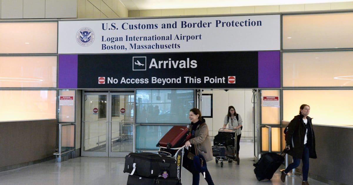 EU extiende prohibición de viaje a Reino Unido e Irlanda