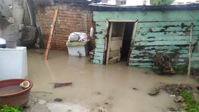 Photo of Vivienda de una familia se inunda por las lluvias