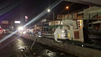 Photo of Pipa de gas pierde el control y embiste vehículos