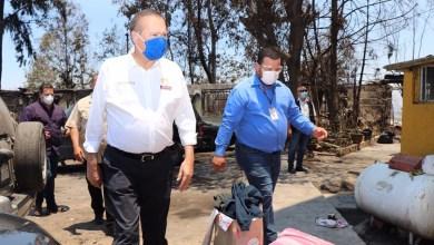 Photo of González atiende a afectados por incendio en Infonavit Torres del Lago