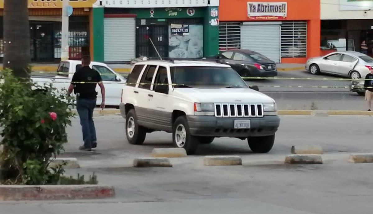 Asesinan-a-hombre-en-estacionamiento-de-plaza-comercial