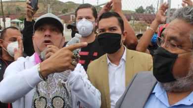 Photo of VIDEO: Enfrentamiento entre gremios de transportistas por sitio
