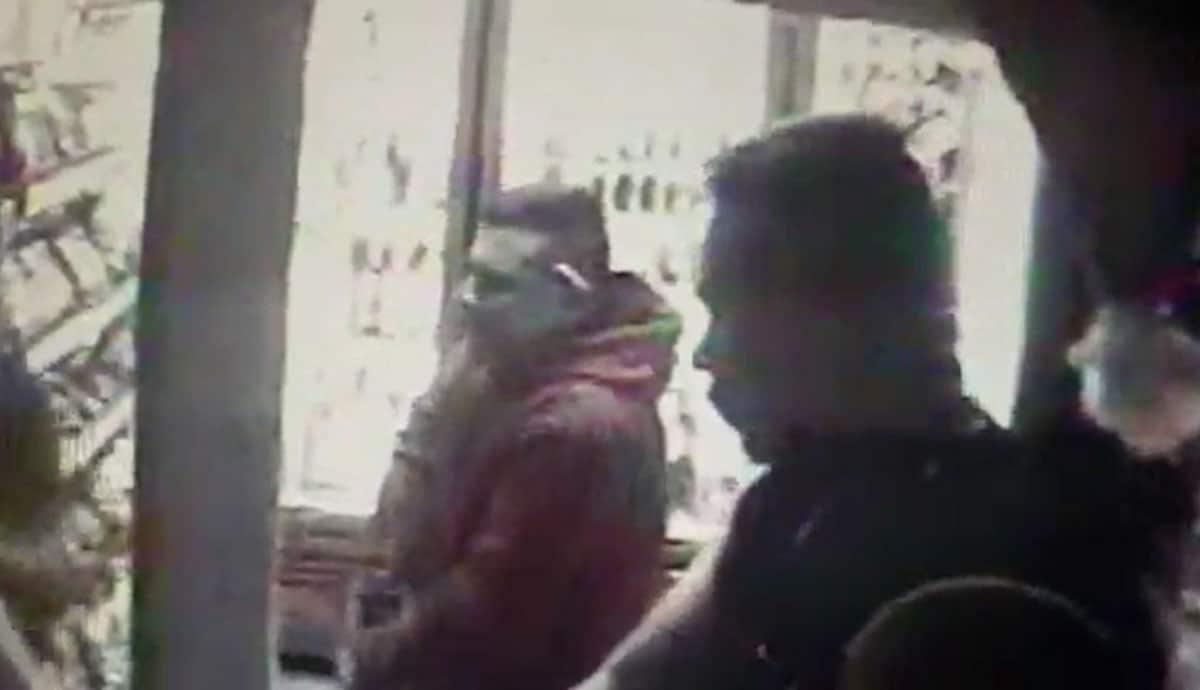 VIDEO-Asaltan-tienda-de-abarrotes-con-arma-de-fuego