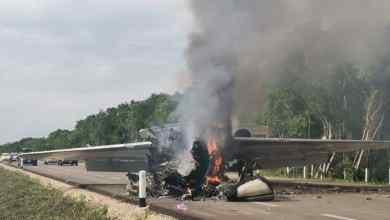 Photo of Narcoavioneta se desploma en carretera de Quintana Roo