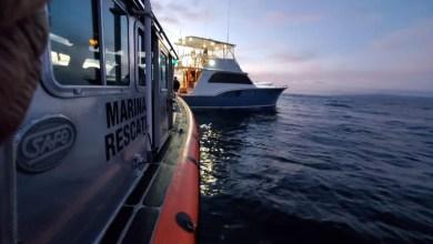 Rescatan-a-cuatro-personas-a-bordo-de-embarcacióna-a-la-deriva