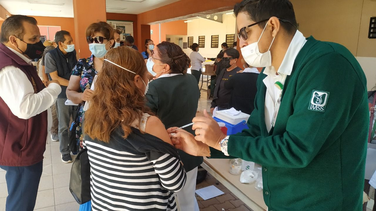 97-de-maestros-de-la-sepm-recibio-vacuna
