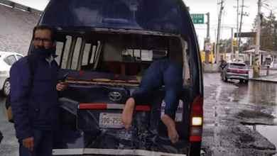VIDEO-Motociclista-sale-proyectado-tras-choque-se-clava-en-taxi