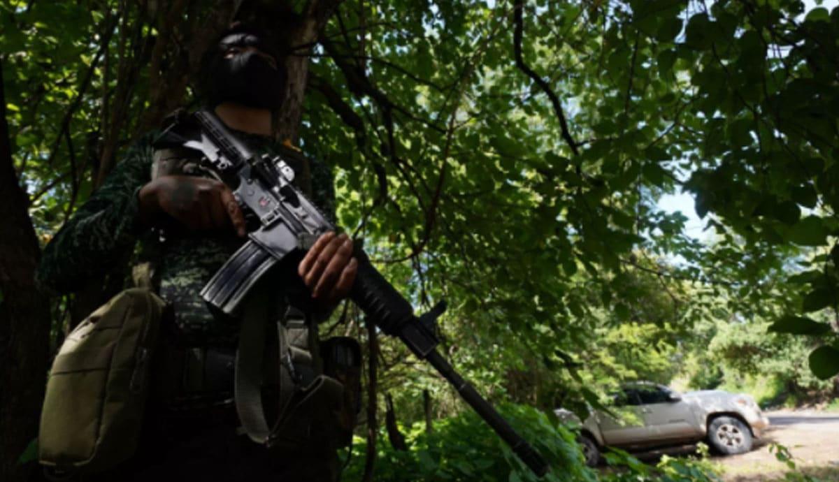 Cártel-se-enfrenta-por-24-horas-contra-militares-y-civiles