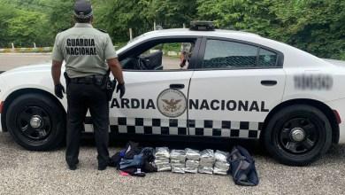 Decomisan-15-kilos-de-cocaína-en-vagoneta-de-pasajeros