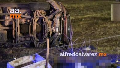 Muere-automovilista-al-salir-proyectado-tras-volcadura