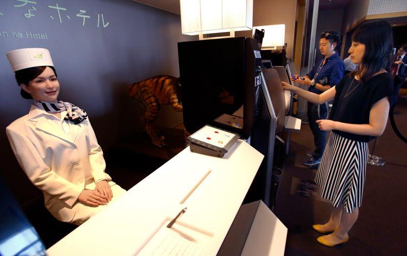 El turismo: humanos y robots, un nuevo reto.
