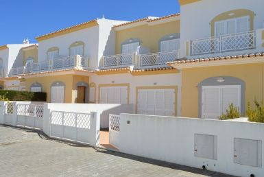 3-bedroom townhouse in Manta Rota rent