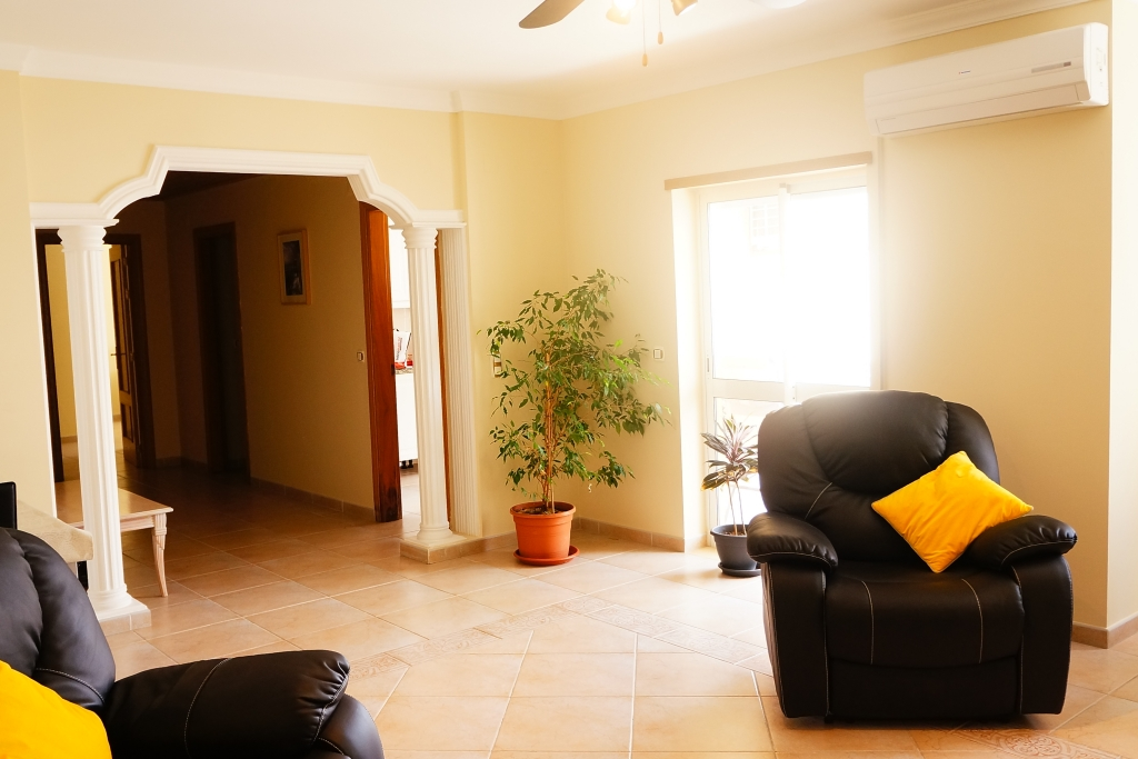 Contemporary 2-bedrooms apartment in Lagos to let