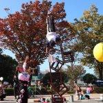 長野県の第25回野辺山高原アイスキャンドルフェスティバルの大道芸イベント