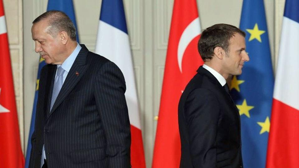 """L'Elysée pas content des propos """"inacceptables"""" d'Erdogan contre Macron"""