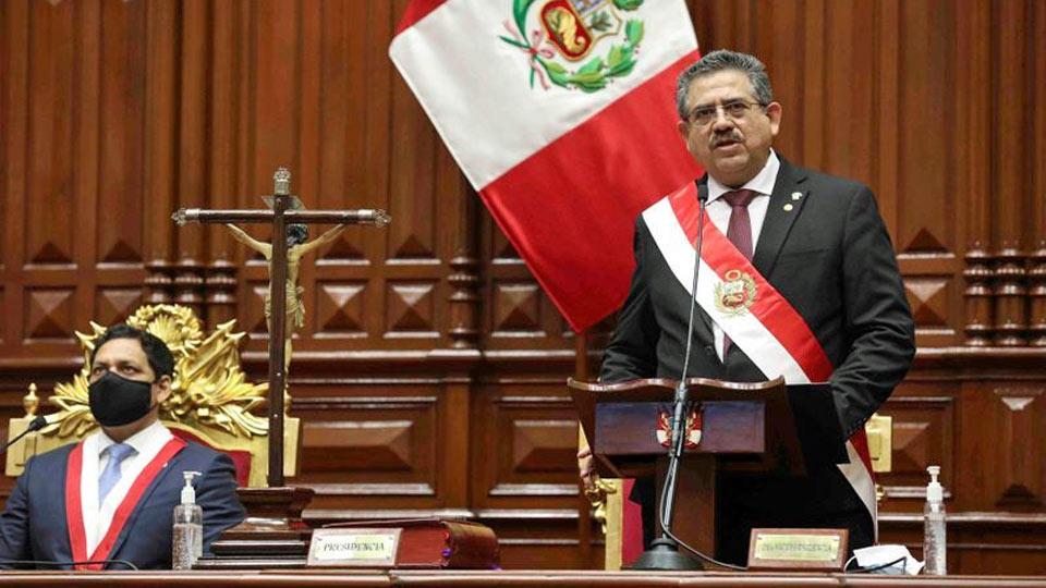 Pérou: Le président par intérim, Manuel Merino démissionne