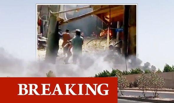 Un Airbus de ligne s'ecrase sur un cartier résidentiel a Karachi au Pakistan