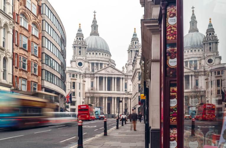 La ville de Londres prévoit d'interdire les voitures sur les routes les plus fréquentées