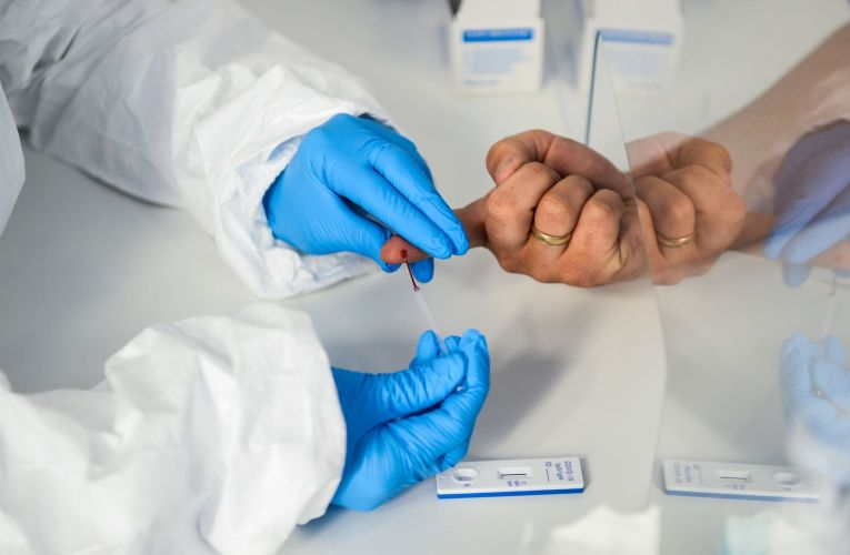 le nouveau test d'antigène Covid-19 un «changeur de jeu»