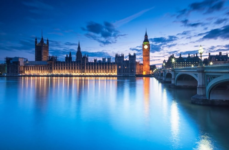 Le traité britannique sur le Brexit outrepasse les pouvoirs approuvés par la chambre basse du parlement