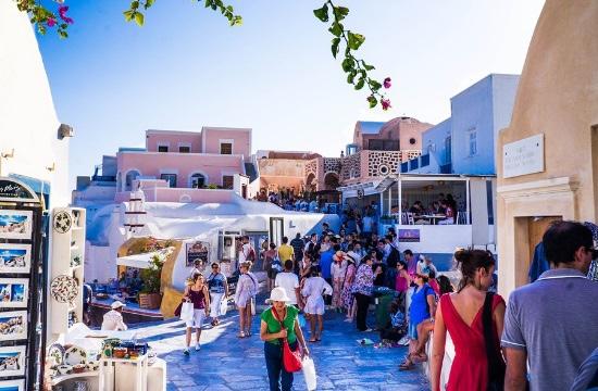 La Grèce poursuivra son plan d'ouverture aux touristes étrangers