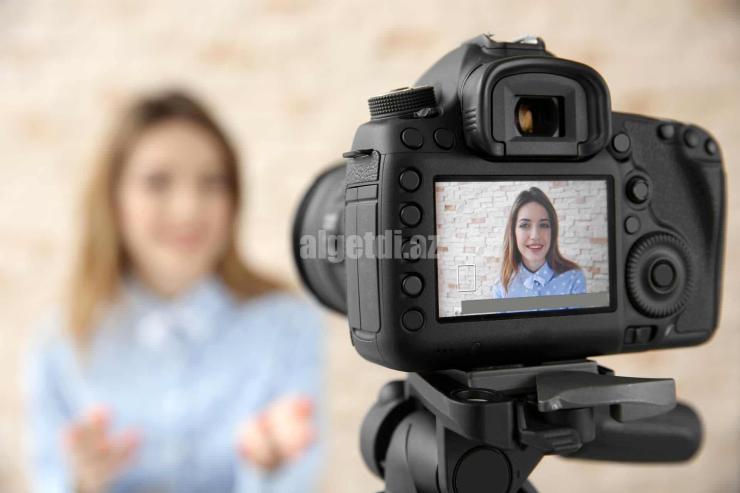 female-camera-selfie-ss-1920